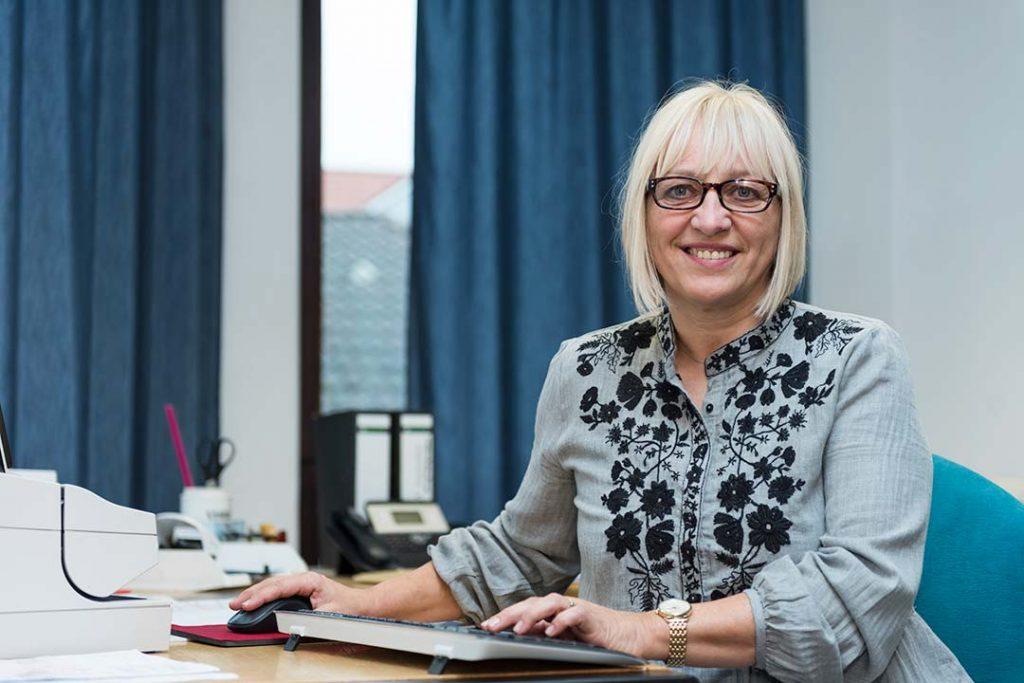 MediCabs - Mitarbeiterin - Karin Steuwer - Innendienst